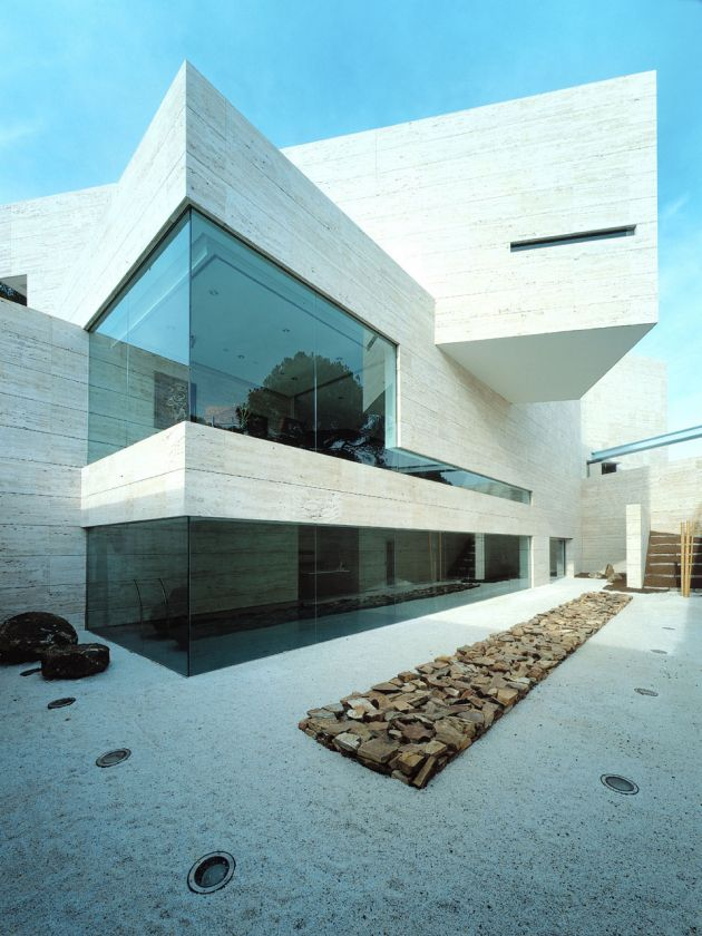 House In Pozuelo De Alarcón By A Cero Architects