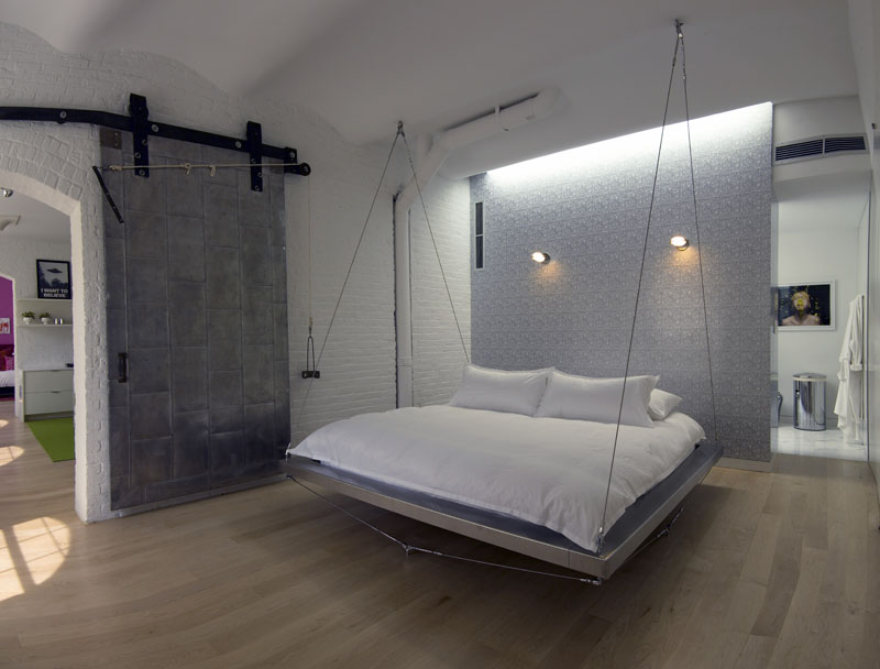Delicieux Floating Bed