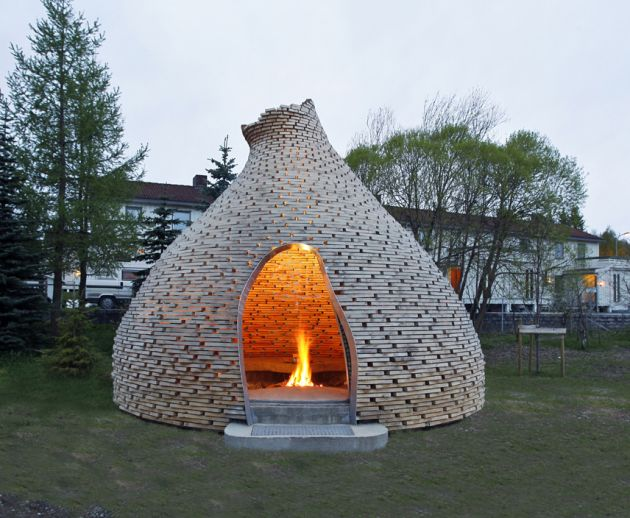 Outdoor Fireplace by HaugenZohar Architects CONTEMPORIST