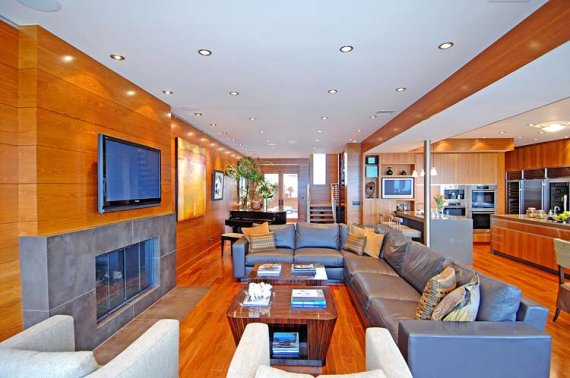 ... some interior photos from a house for sale in Malibu, California
