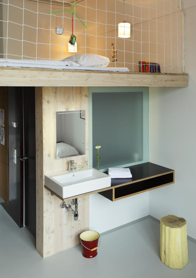 The michelberger a new designer budget hotel in berlin contemporist - Hotel michel berger berlin ...