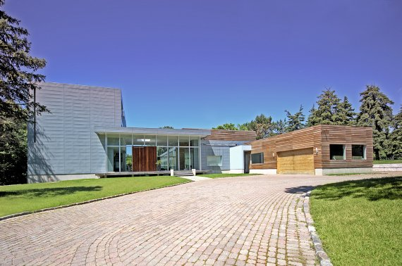 Two amazing modern homes for sale contemporist for Modern house auction