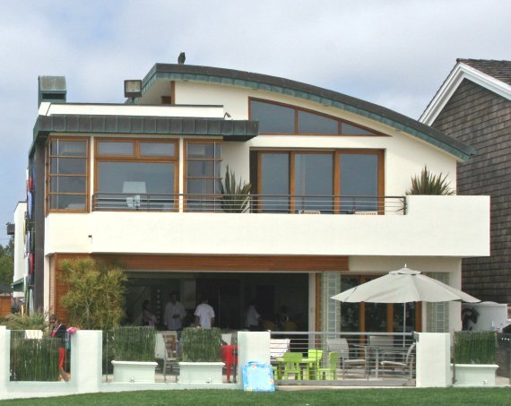 Beach house design australia house plan 2017 for Waterfront home designs australia