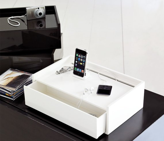 Lacquer Docking Station