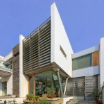 B-99 House by DADA Partners