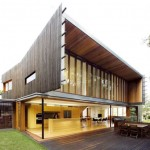 The Highgate Hill Residence by Richard Kirk Architects