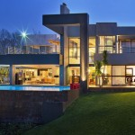 House in Bryanston by Nico Van Der Meulen Architects