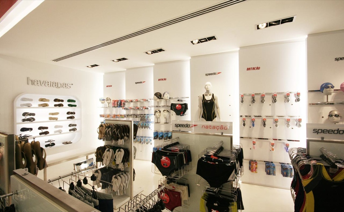 Stunning Small Clothes Shop Interior Design Ideas Pictures ...