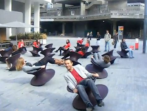 Thomas Heatherwick's 'Spun' Installation in London (VIDEO)