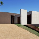 OM House by Studio Guilherme Torres