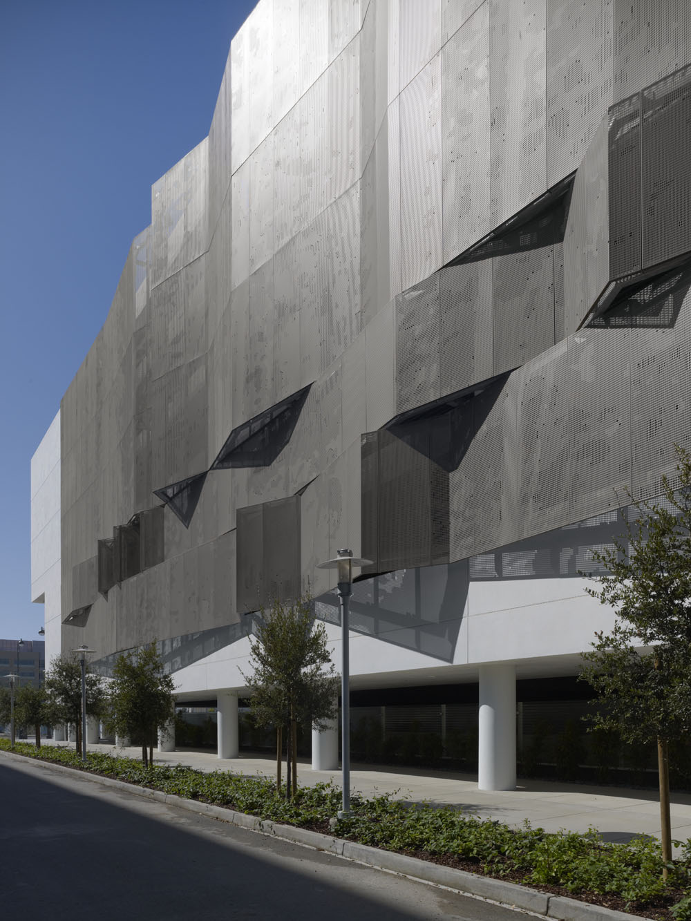 UCSF Mission Bay Parking Structure | CONTEMPORIST