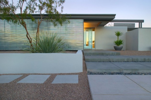 Stunning Ibarra Rosano Design Architects did a contemporary remodel on a us house in Tucson Arizona
