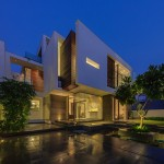 The Overhang House by DADA & Partners