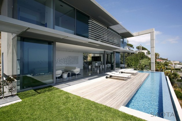 Head 1815 House by SAOTA