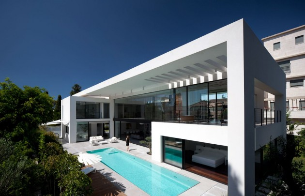 The Haifa House by Pitsou Kedem Architects