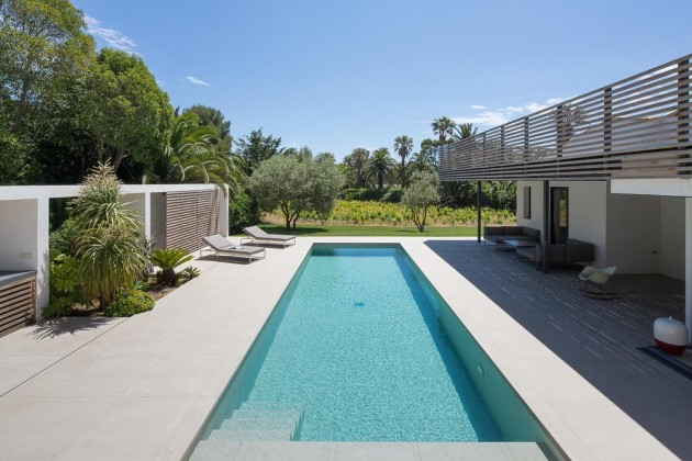 Swimming pool inspiration from a home in Saint Tropez.