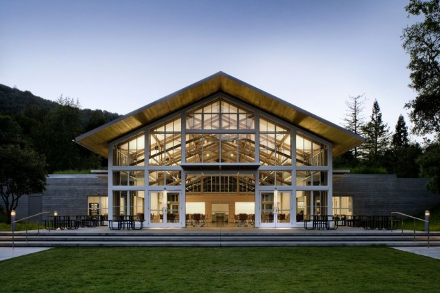 Branson School Student Commons by Turnbull Griffin Haesloop