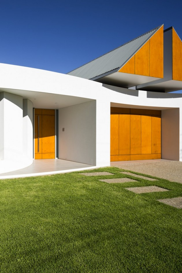 Prestipino house by max pritchard architects contemporist for Courtyard home designs adelaide