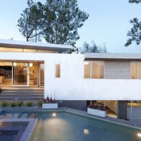 Contemporary Houses cover image
