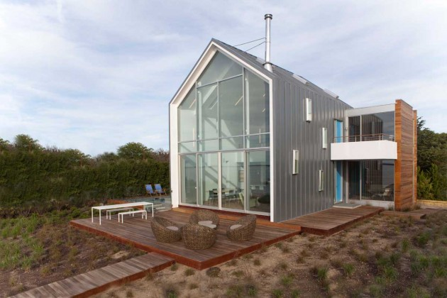 Peconic Bay House by Naiztat + Ham Architects