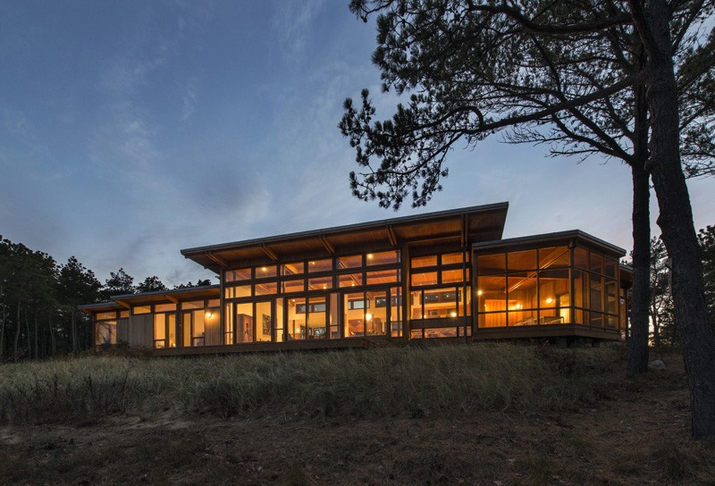 A Home In Massachusetts Designed For River And Ocean Views