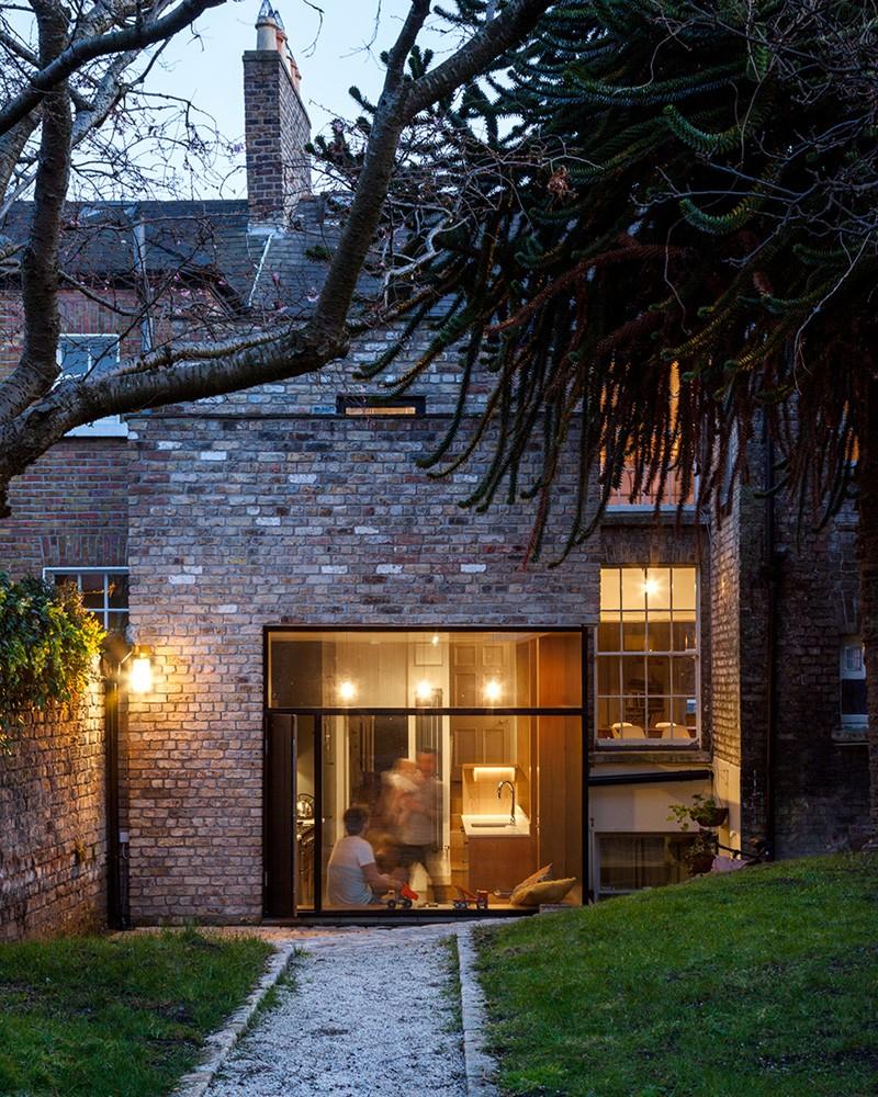 contemporary-brick-addition_060215_03