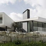 Vidigal House by Contaminar Arquitectos
