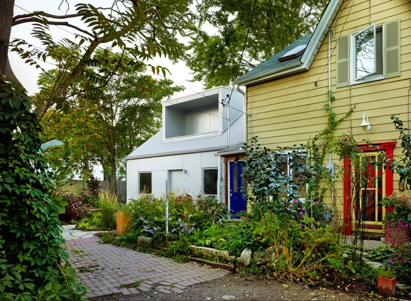 contemporary-laneway-house_240215_03
