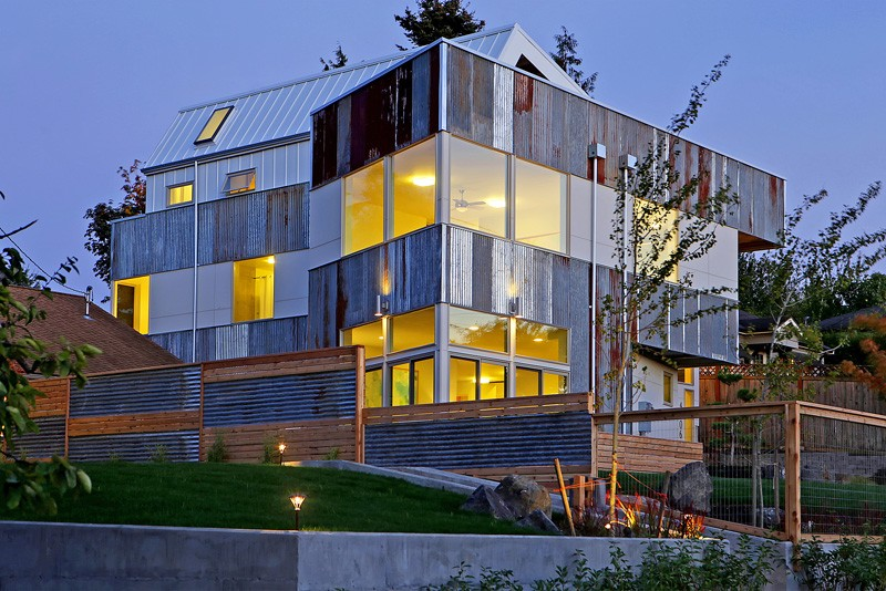 Reclaimed Materials And Solar Power For This Home In Seattle ...