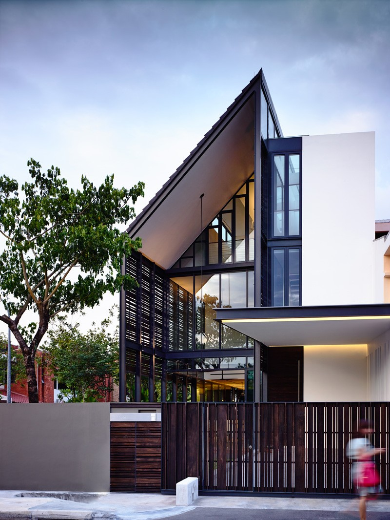 A corner terrace house for a family in singapore for Corner house plans