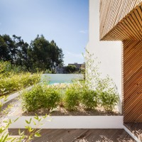 modern-house-portugal-270215_05