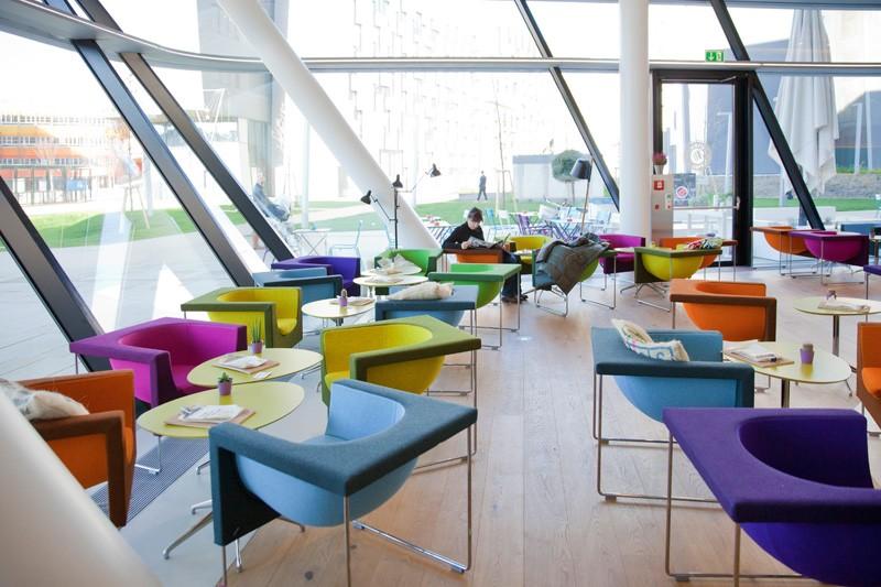 colorful-furniture_020315_03