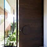 Design Detail – Oversized Disk Shaped Door Handle