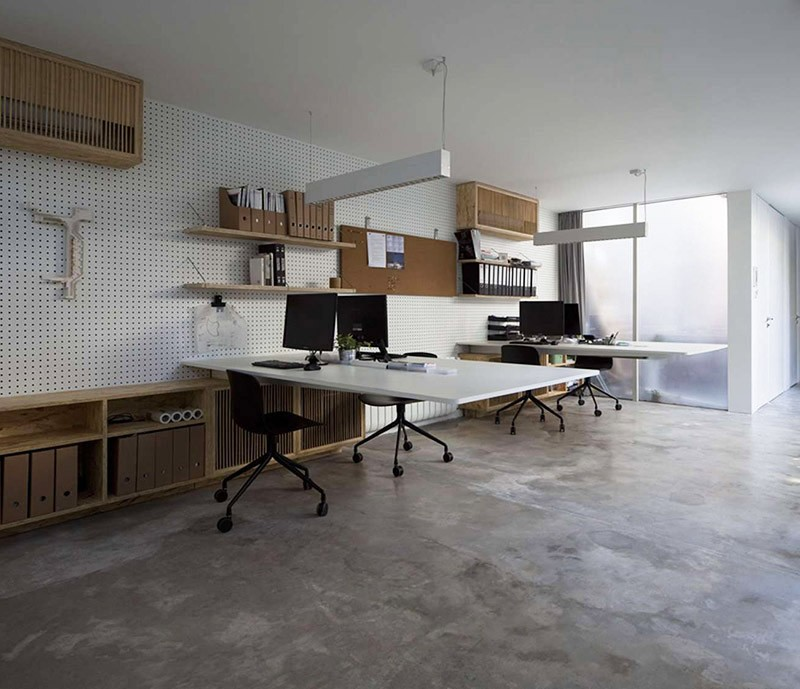 Floating Desks