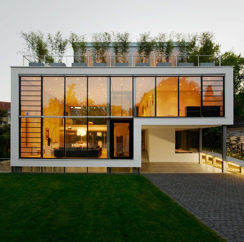 A Wall Of Windows Open Up The Views Inside This Home | CONTEMPORIST