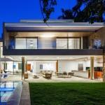 MG Residence by Reinach Mendonça Arquitetos