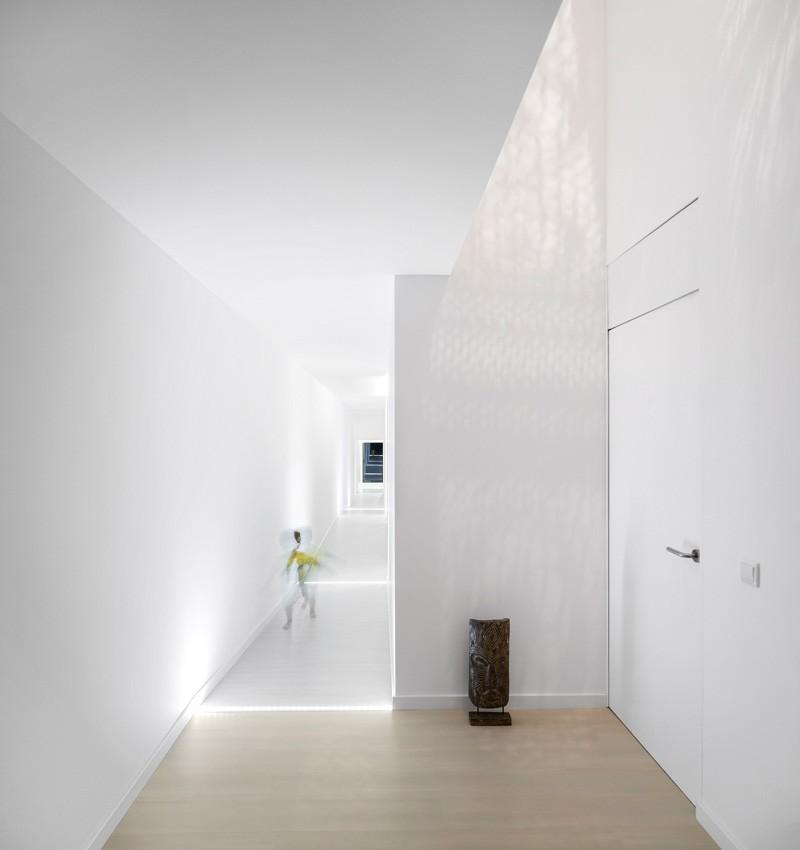modern-house-portugal_030315_05