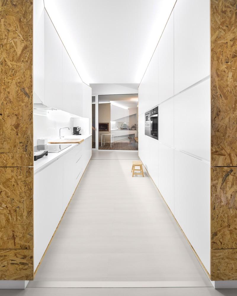 modern-house-portugal_030315_09