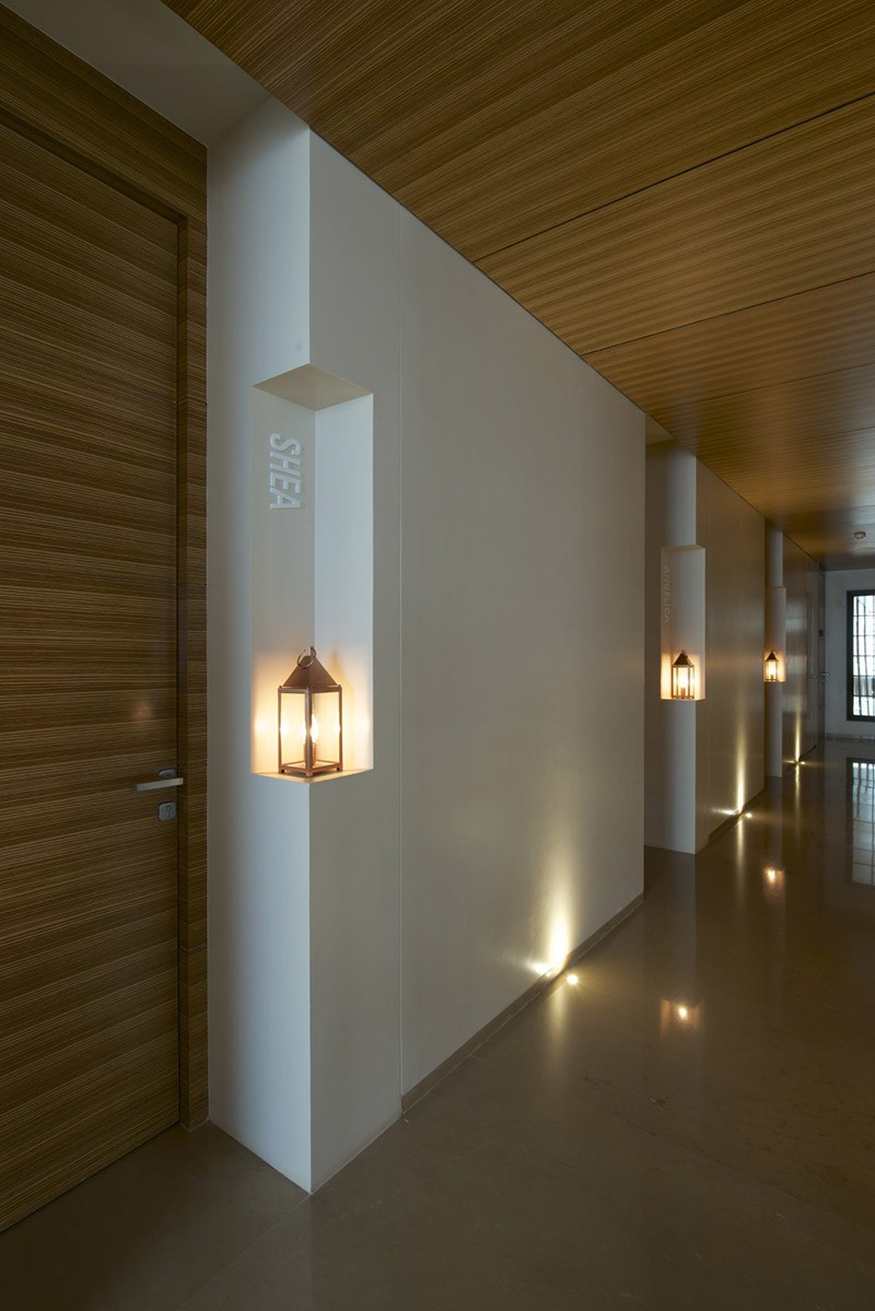 Design Detail - Recessed Spaces For Lanterns To Light Up A Hallway