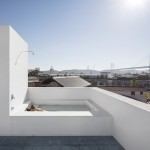 Design Detail – A Rooftop Bathtub And Shower