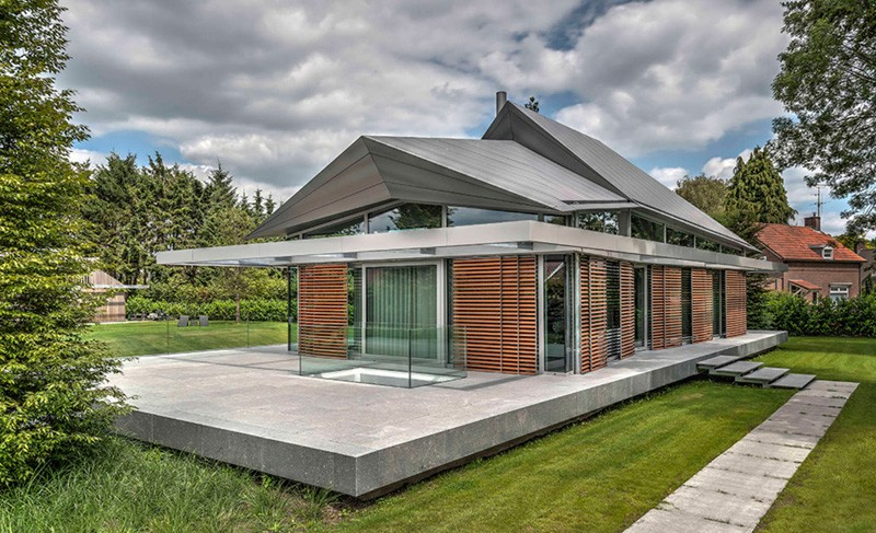 Contemporary dutch home