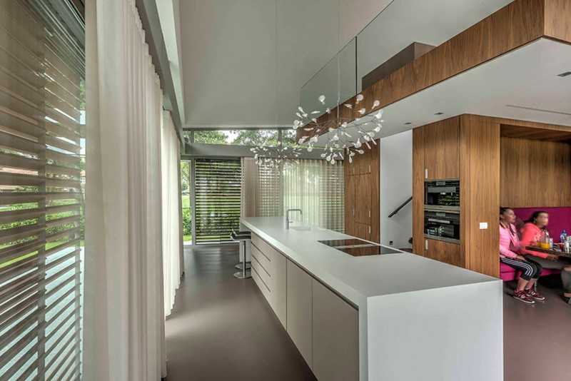 Contemporary dutch home