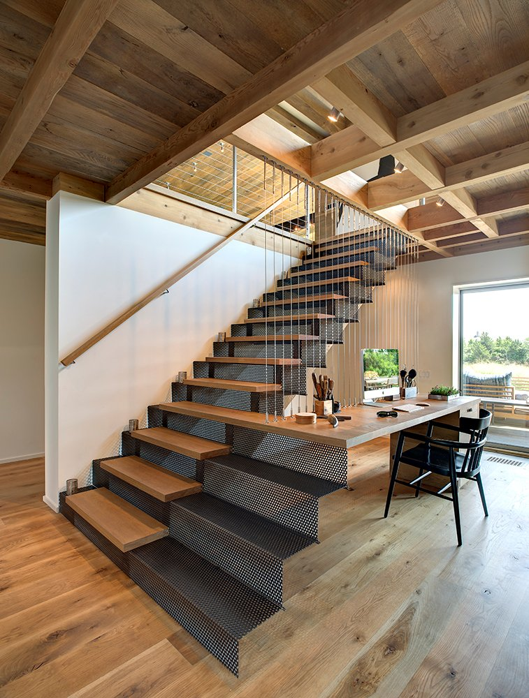 Design detail a stair desk combination contemporist for Architecture originale maison