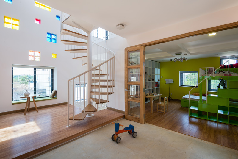 2H House by Truong An Architecture and 23°5 Studio