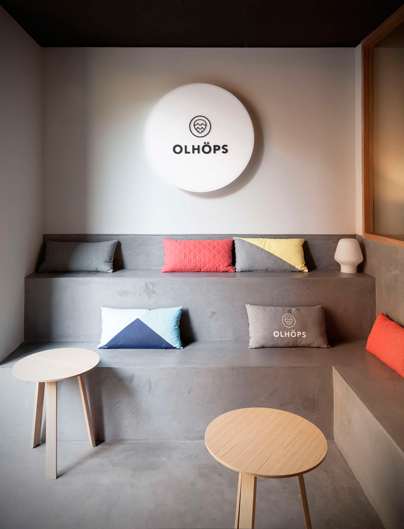 Olhöps Craft Beer House by Borja Garcia Studio