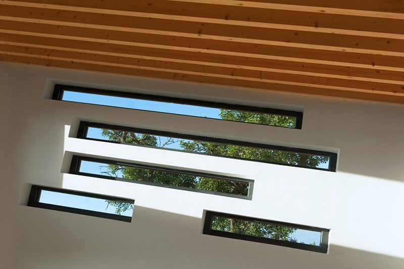 Diagonal windows