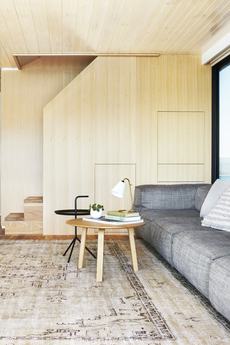 Lake Eildon Houseboat By Pipkorn & Kilpatrick