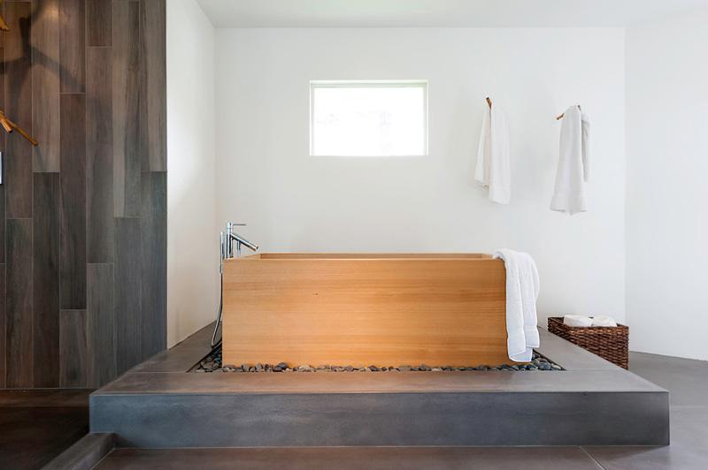 7 Bathrooms With Freestanding Bathtubs