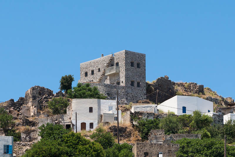 A Respectful Contemporary Update Of A Historic House In Greece