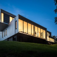 Bridge House By Höweler+Yoon Architecture